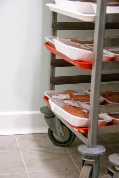 Installatie van stootplint in vleesverwerkend bedrijf